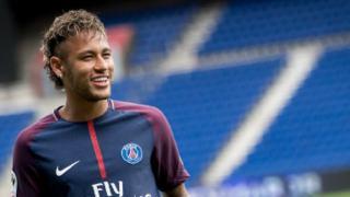 Neymar chce wymusić transfer