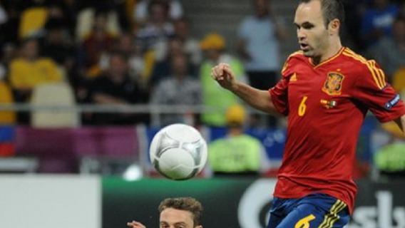 Andres Iniesta: Nie żałuję odejścia z Barcelony