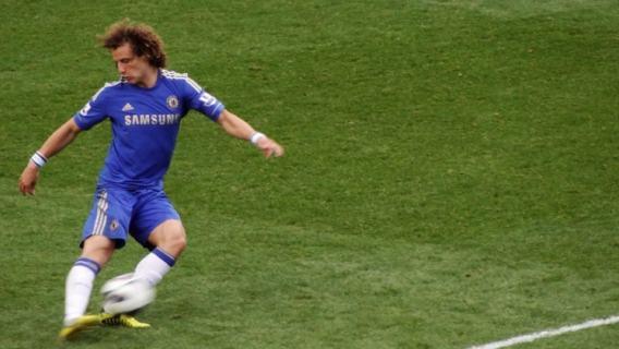 OFICJALNE: David Luiz przeszedł do angielskiego giganta
