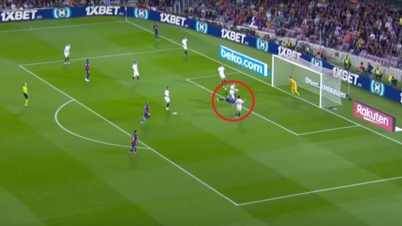 Fantastyczny gol w meczu Barcelony! Precyzyjne dośrodkowanie, fantastyczne wykończenie [WIDEO]