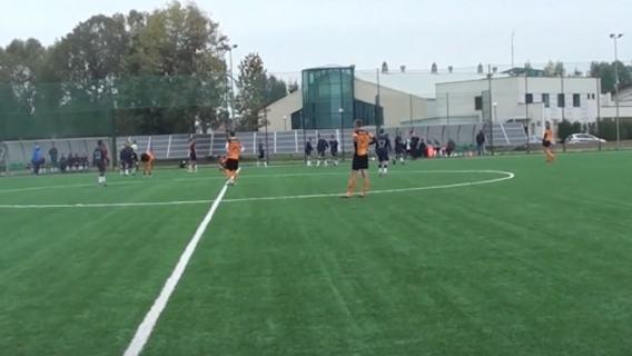 Rasistowskie okrzyki na meczu juniorów w Polsce. Ofiarą 14-letni piłkarz, obrzydliwe [WIDEO]