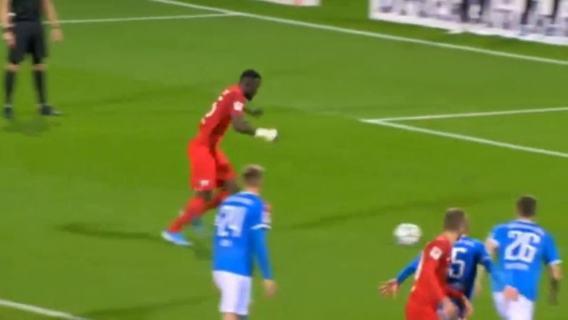 Ganvoula penalty Kiel Bochum 1 - 1