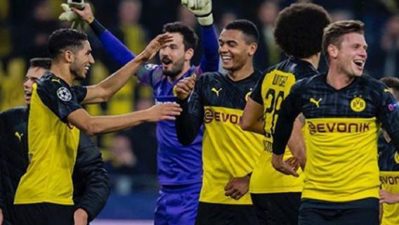 Fantastyczny mecz w Bundeslidze. Przegrywali do przerwy 0:3, potem doprowadzili do prawdziwego show