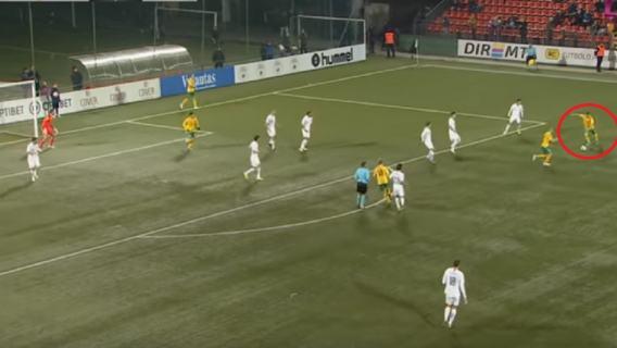 Piękny gol piłkarza Legii w meczu reprezentacji. Bramkarz był kompletnie zaskoczony [WIDEO]