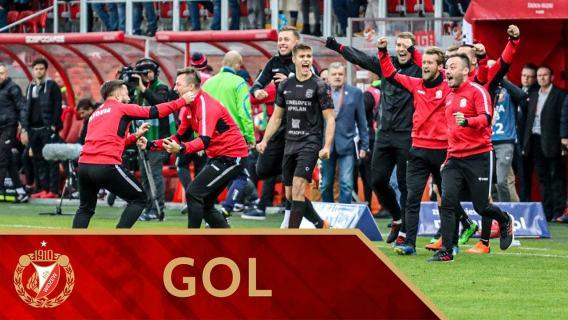 Widzew Łódź - Resovia Rzeszów 0:1 - gol Radosława Adamskiego