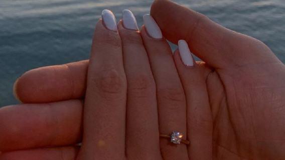 Piękna sędzia z Polski wychodzi za mąż. Oświadczył jej się znany sędzia (FOTO)