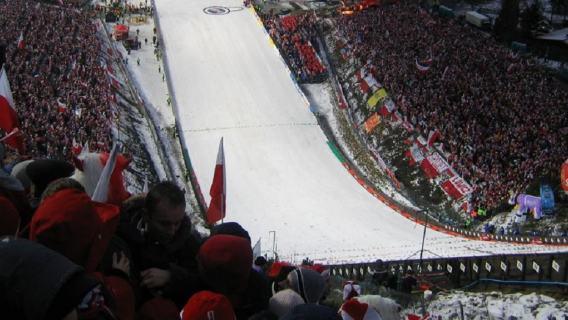 Polski skoczek zrozpaczony po zawodach w Zakopanem.