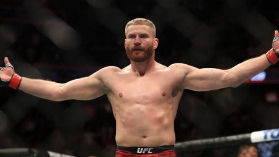 Wielki triumf Jana Błachowicza w UFC. Fantastyczny nokaut Polaka na ustach kibiców z całego świata (WIDEO)