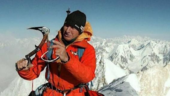 Koniec wyprawy na Board Peak. Denis Urubko spadł 100 metrów z lawiną