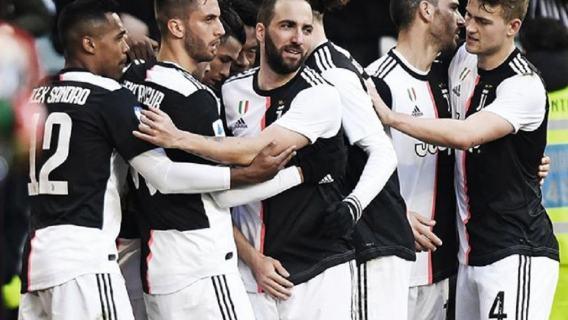 Gwiazdor Juventusu złamał kwarantannę. Chciał opuścić kraj, czeka go surowa kara