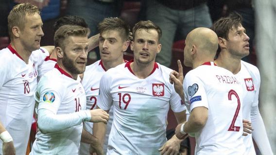 Reprezentant Polski kontuzjowany. Zszedł z murawy już w pierwszej połowie meczu