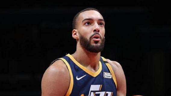 Gracz NBA nabijał się z epidemii, a teraz sam zachorował. Liga zawiesza rozgrywki (WIDEO)
