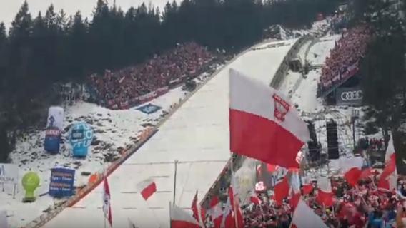 Polscy kibice nie wpuszczeni na skocznię w Oslo. Zostali przegnani przez organizatorów