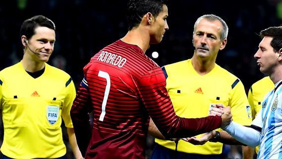 Legendarny piłkarz odpowiedział na pytanie, czy Messi jest lepszy od Ronaldo. Ta wypowiedź podzieliła kibiców