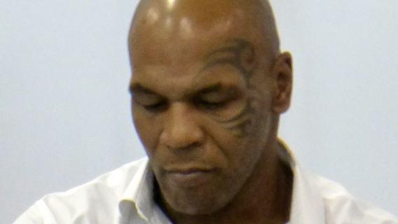 Tygrys Mike'a Tysona odgryzł rękę człowiekowi. Były czempion tłumaczy się z incydentu