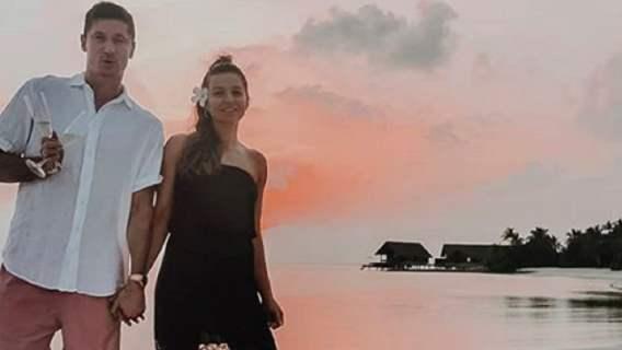 Anna i Robert Lewandowscy nagrywali film dla fanów. Nagle w kadr wpadła mała Klara i skradła show (WIDEO)