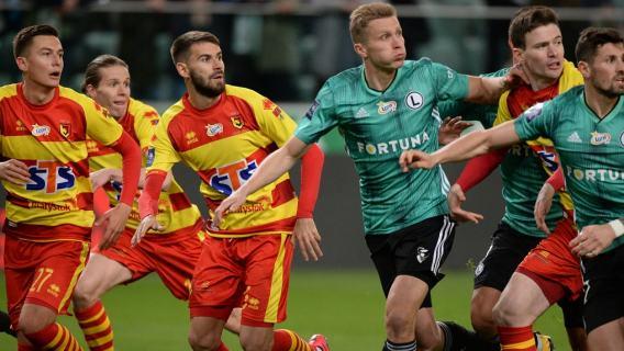 Ujawniono zarobki piłkarzy Ekstraklasy. Kibice przecierają oczy ze zdumienia