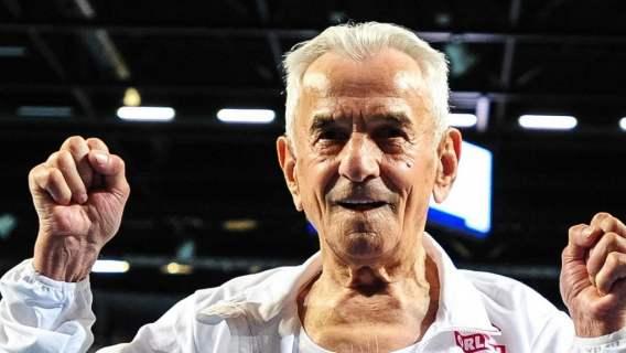 Najstarszy Polak pobił rekord świata. Niesamowita forma seniora (WIDEO)