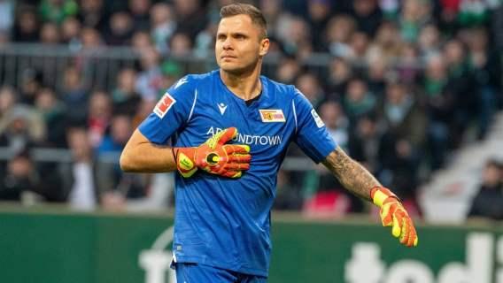 Polski bramkarz bohaterem w Niemczech. Piłkarz zakasał rękawy i ruszył do walki z epidemią