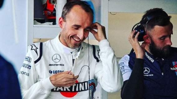 Robert Kubica szpanuje swoimi samochodami. Luksus, o którym może marzyć każdy (ZDJĘCIA)