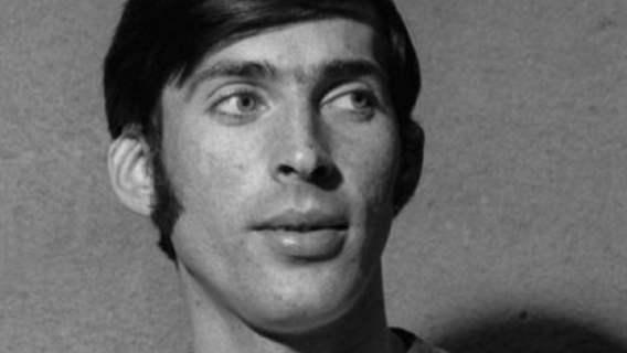 Widok grobu Kazimierza Deyny zapiera dech w piersiach. Od jego śmierci minęło już ponad 30 lat