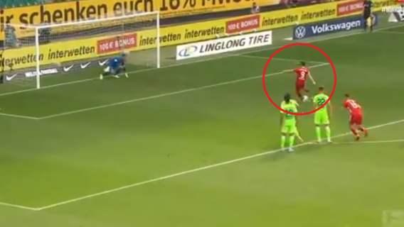 Robert Lewandowski pokazał klasę na pożegnanie z Bundesligą. Mecz rekordów Bayernu Monachium (WIDEO)