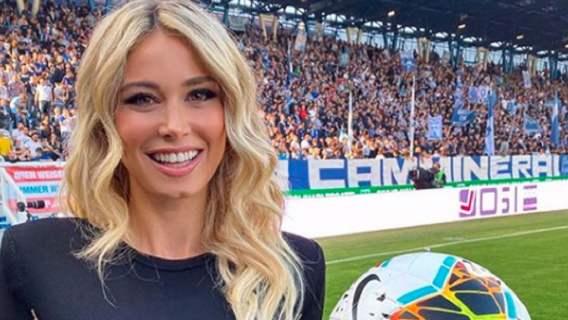 Kultowy gwiazdor zostawił piękną narzeczoną dla dziennikarki sportowej? Fani nie mogą mu wybaczyć zdrady (FOTO)
