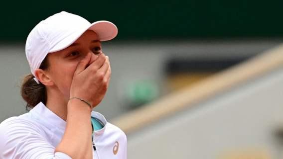 Iga Świątek poruszyła nas do granic. Tuż po finale Rolanda Garrosa zrobiła coś pięknego, łzy same cisną się do oczu