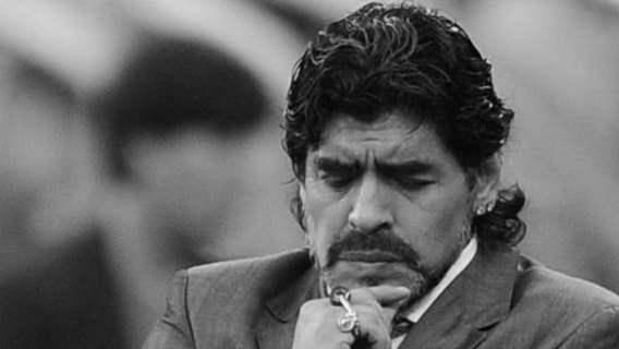 Wzruszający hołd dla Diego Maradony. Córka legendy nie kryła łez (WIDEO)