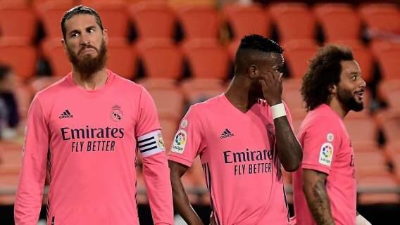 Absolutna kompromitacja Realu Madryt. Wysoka porażka Królewskich, obrońcy grali jak oldboje (WIDEO)