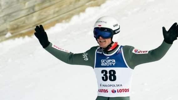 Andrzej Stękała na podium Pucharu Świata w Zakopanem